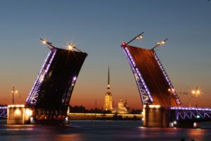 Как переехать в Санкт-Петербург?
